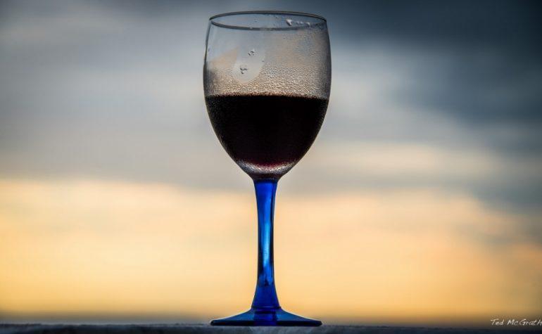 Blauwe Spaanse wijn